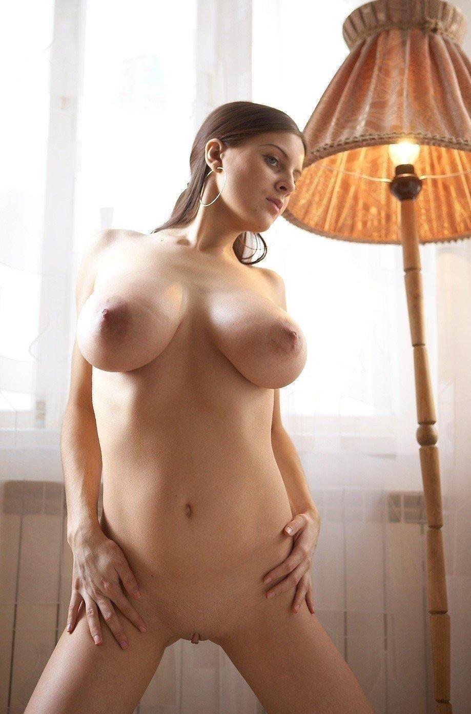 Сиськи проститутки большая грудь